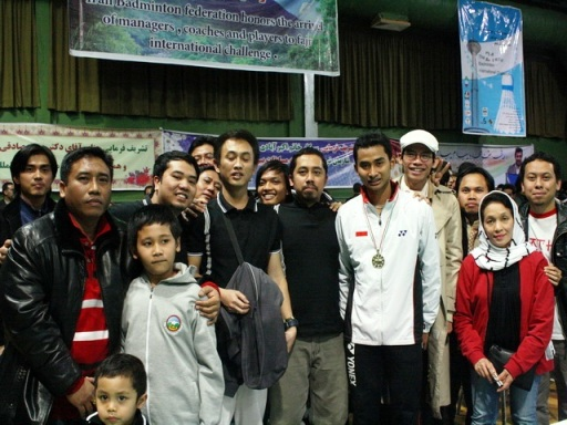 tommy-sugiarto-bersama-supporter_indonesiaproud