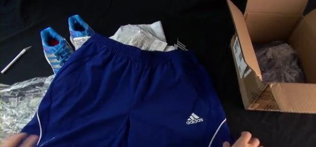2013 Adidas Badminton Pre-release Apparel Unboxing.mp4_000139472