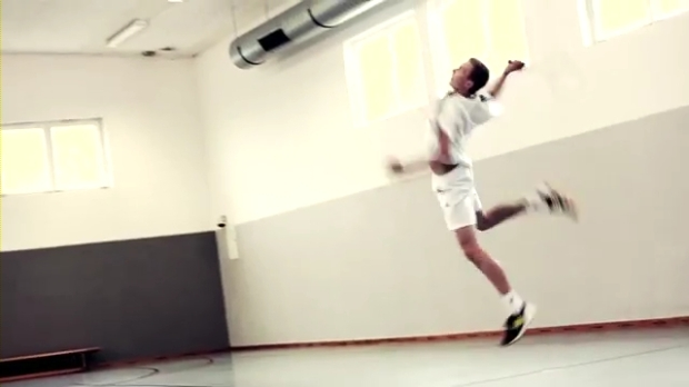 Viktor Axelsen visiting adidas Headquarters.mp4_000097600