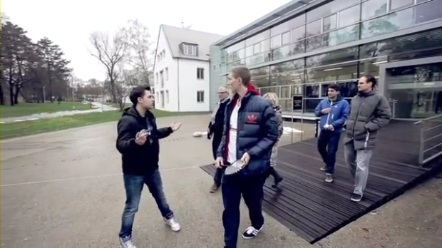 Viktor Axelsen visiting adidas Headquarters.mp4_000119400