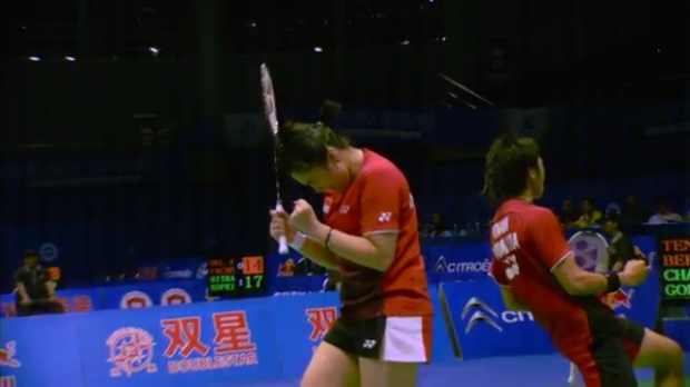 Sudirman Cup 2011 Indonesia vs Malaysia 005 Mixed Double Singal of SNG 720p.mp4_002595400