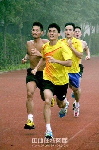 adu-sprint-para-pemain-putra-china