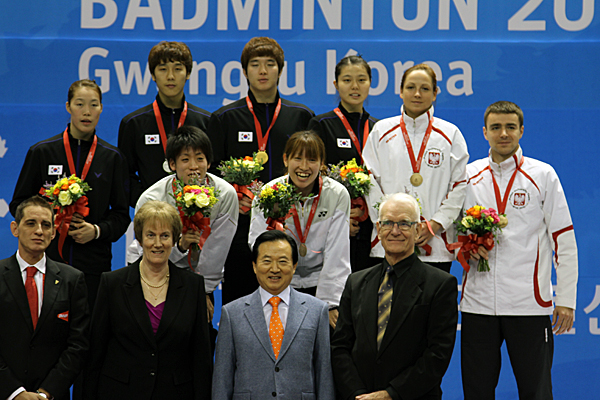 121112_badminton_mixd