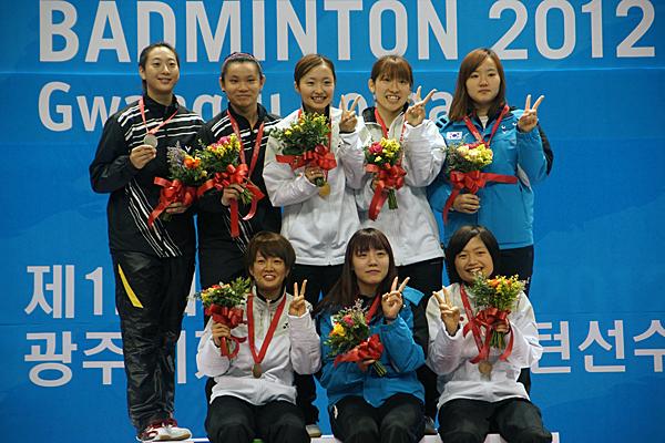 121112_badminton_wd