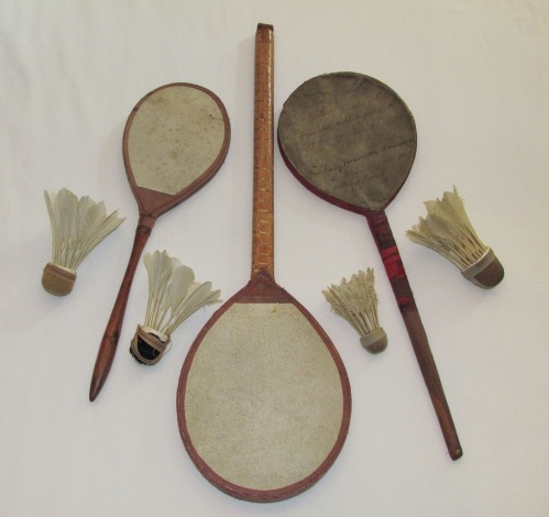 Early_Badminton_rackets_(2)