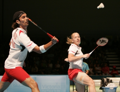 mixed-badminton-doubles